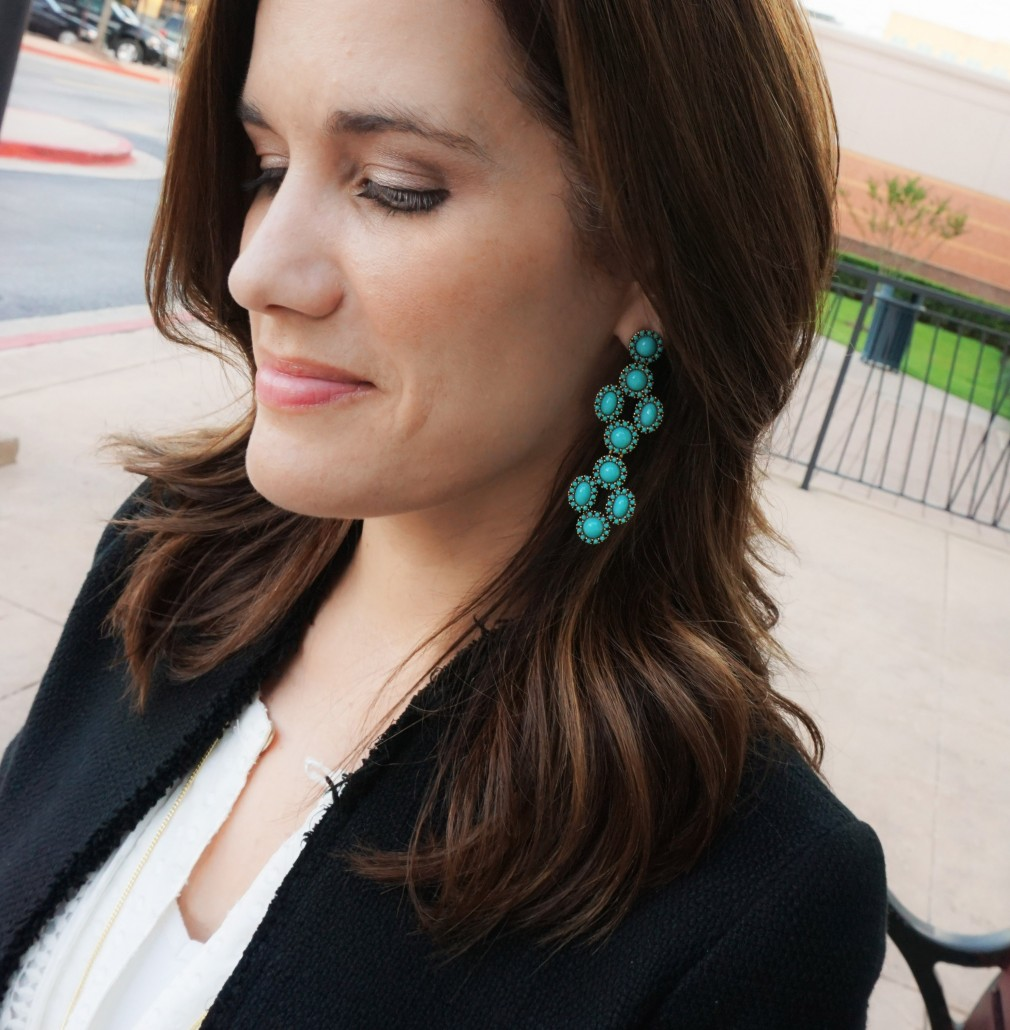 Happy Friday Y All We Are Bringing You A Great Giveaway One Lucky Winner Will Win These Stella Dot Sardinia Chandelier Earrings Valued At 59
