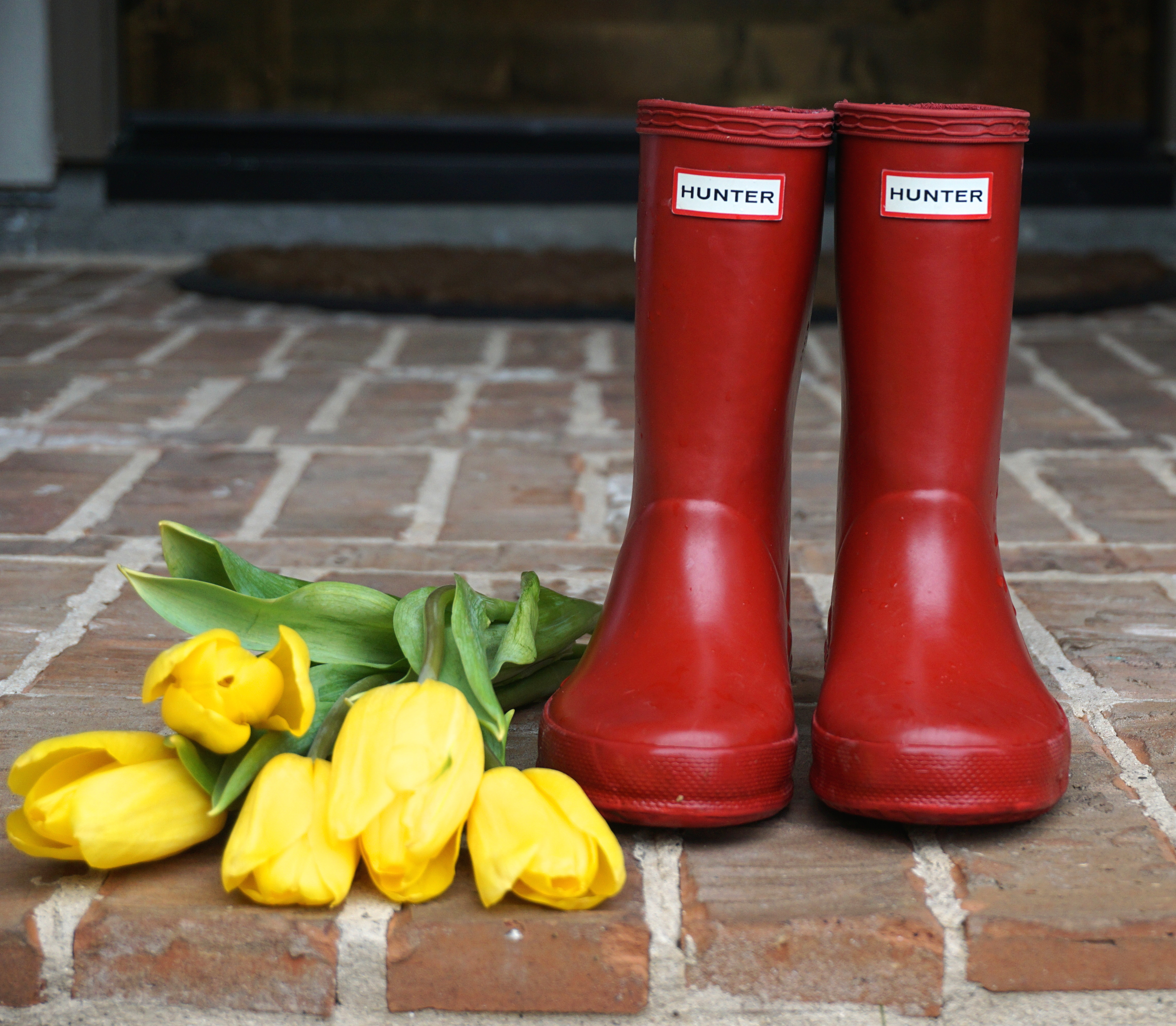 HUNTER BOOTS TO THE RESCUE
