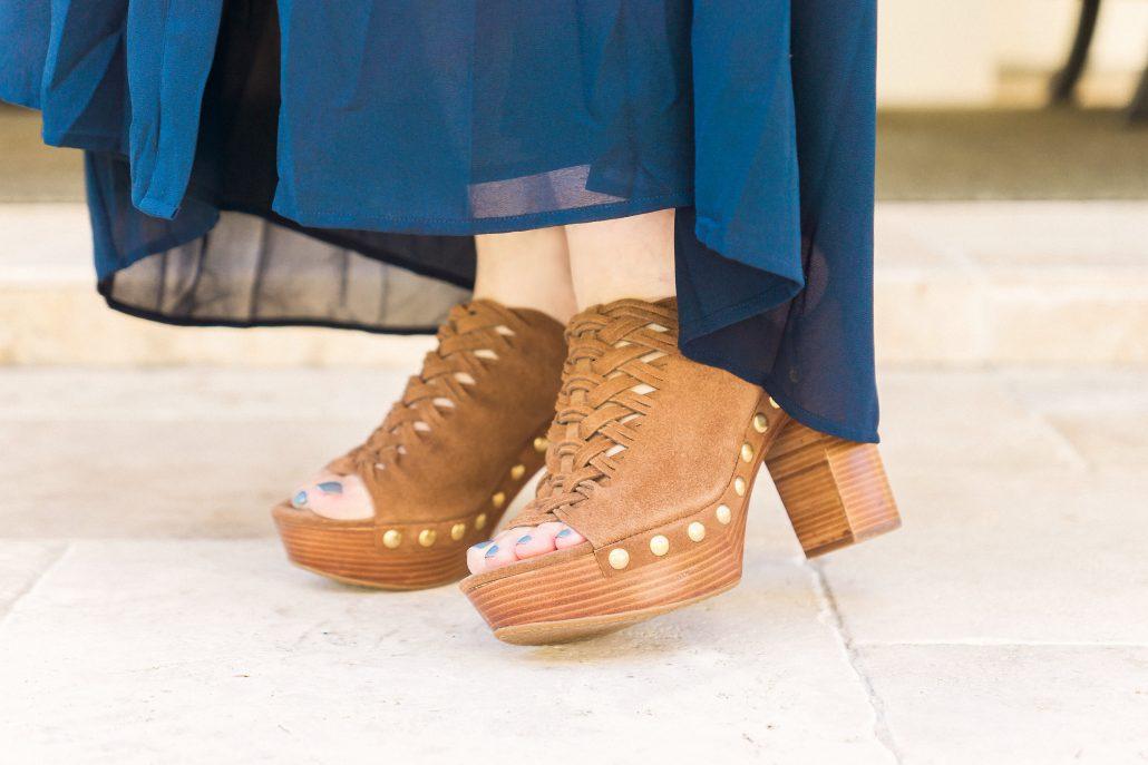 fall maxi dress fall fashion hat blogger style accessories cross body michael kors