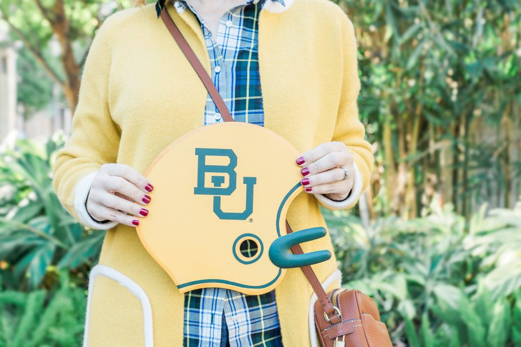 GAME DAY OUTFIT INSPIRATION baylor bears green and gold football