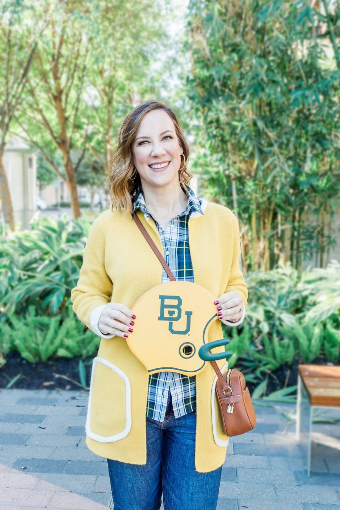 GAME DAY OUTFIT INSPIRATION baylor bears game day chic gold sweater