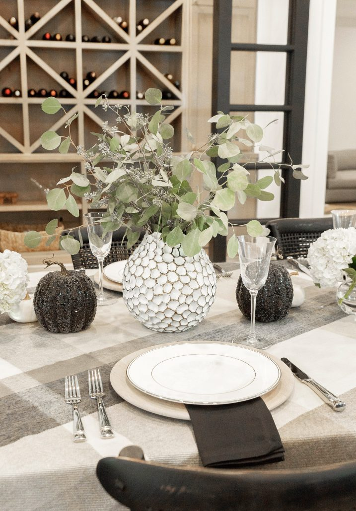 Elegant Thanksgiving Tablescape Holiday Table Setting Thoughtfully Styled Thanksgiving Table Setting Black and Gold Tablescape